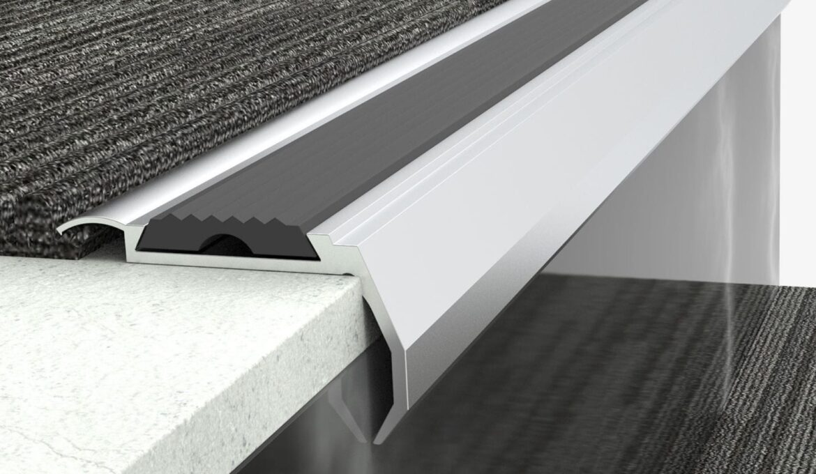 Different stair nose inserts with and without rubber profiles